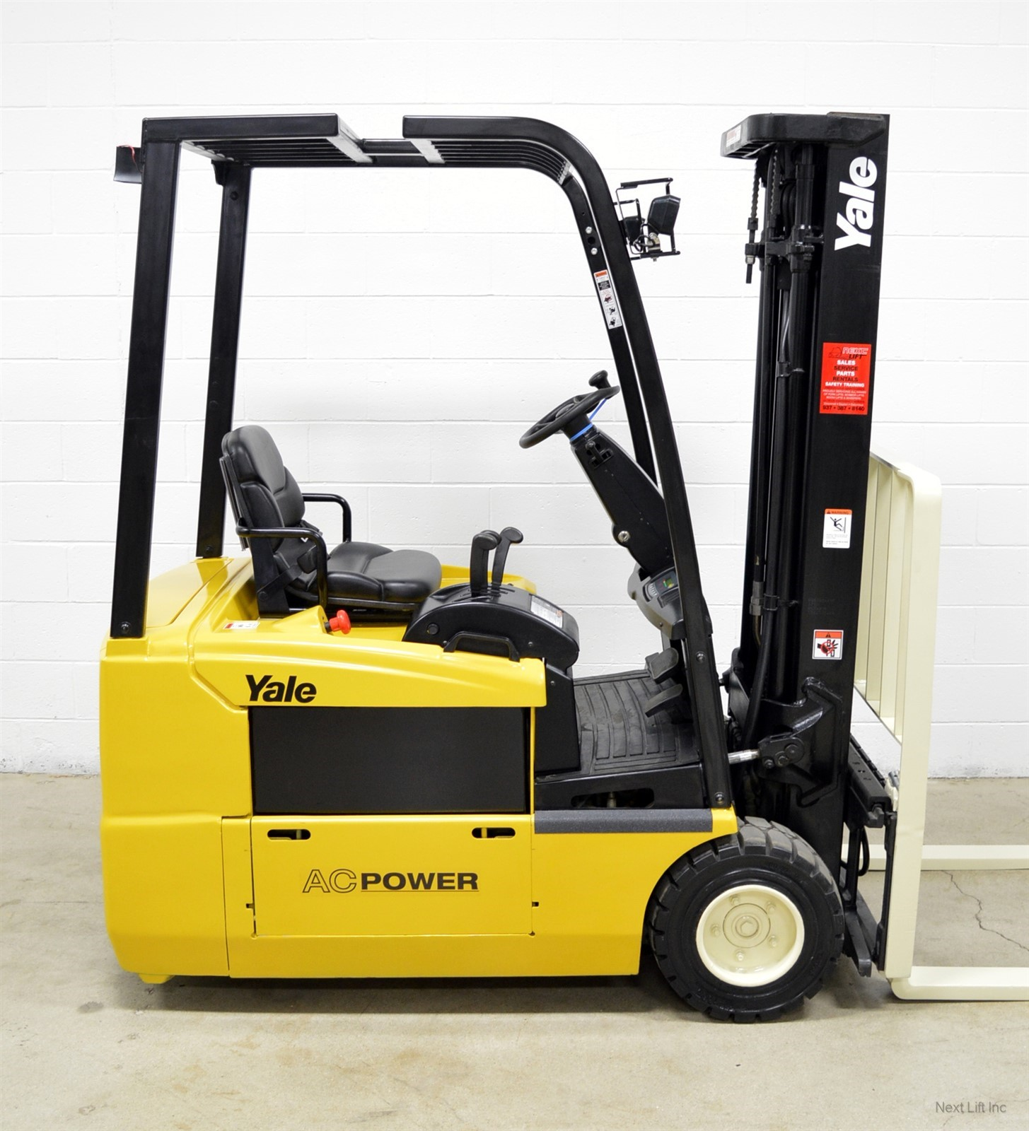 yale electric forklift nice yale erp040 4 000 lb 36v electric three wheel forklift 3 wheeler