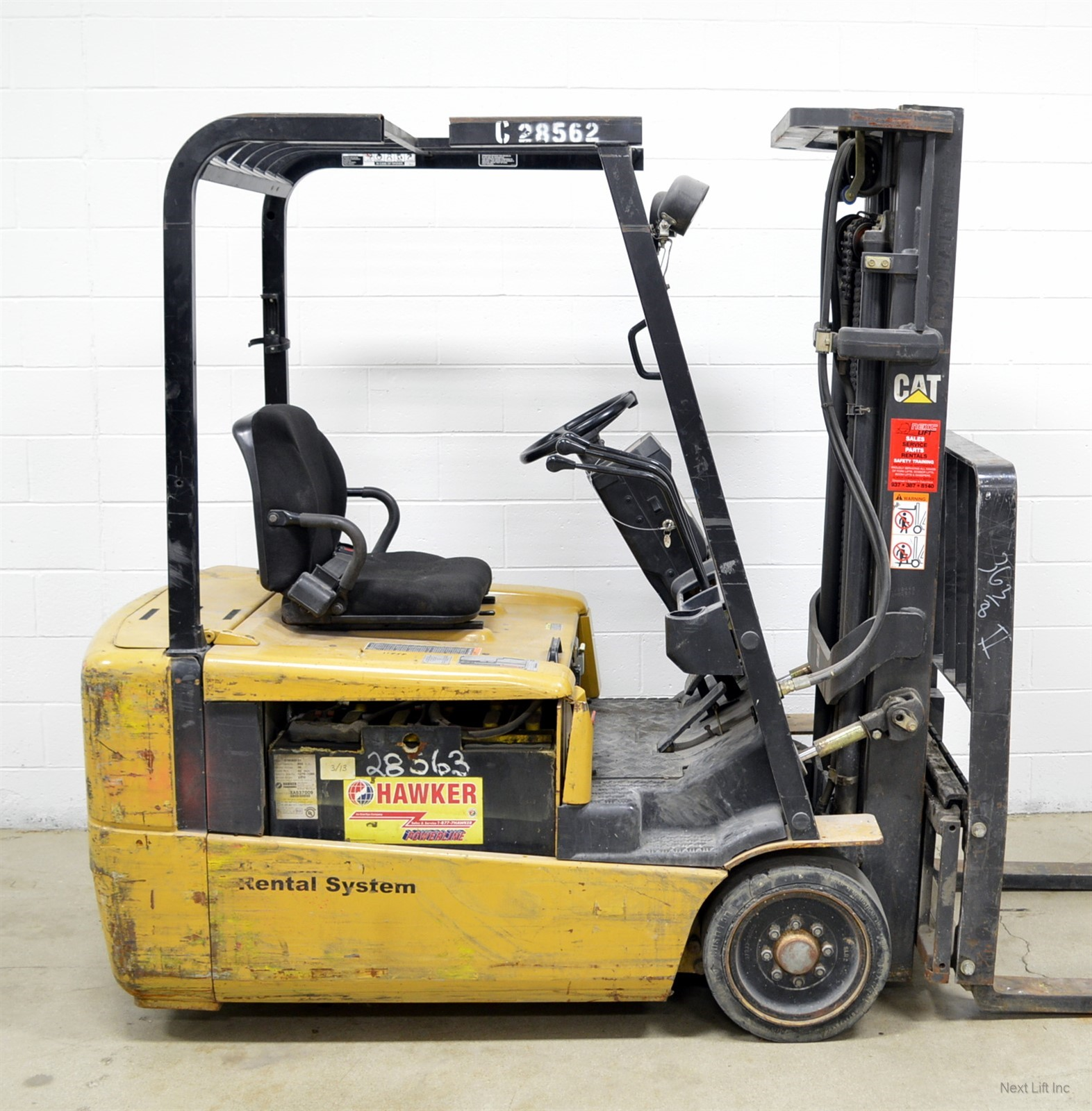 2005 caterpillar 4000 lb 36v electric 3 wheel forklift cat Motorized forklift
